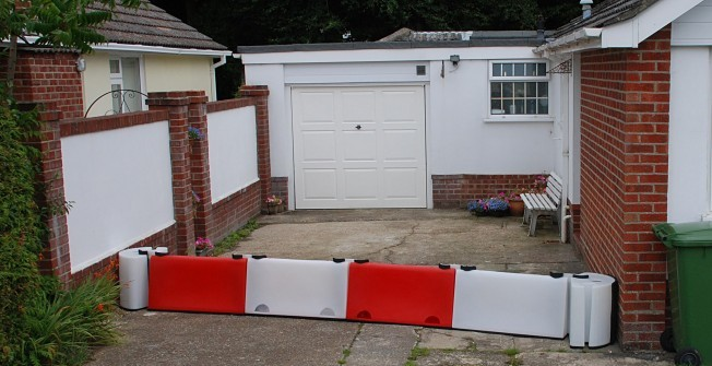 Temporary Flood Barriers in Three Crosses